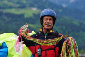 Met je 70e nog paragliden? Ja, dat kan!! Door Gerry van der Eerden